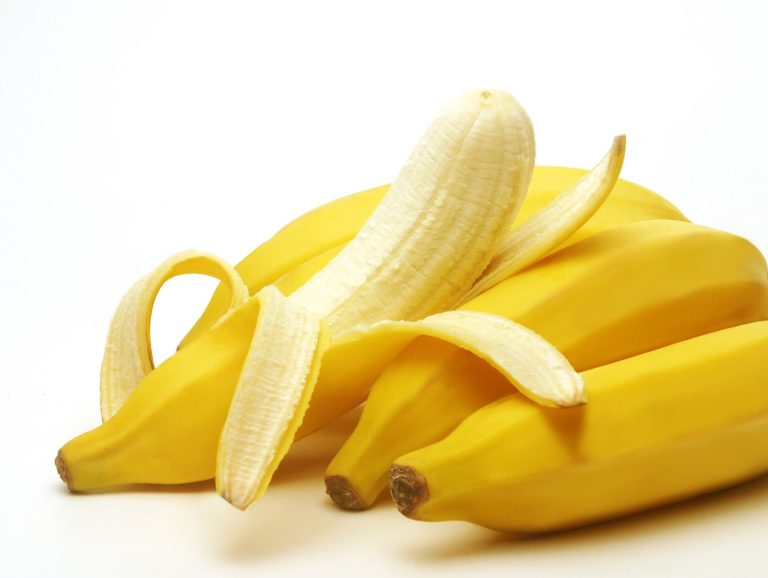 How much protein in a banana