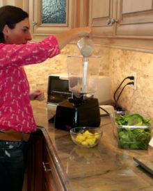 Healthy Pineapple Green Smoothie Recipe & Tips to Make Smoothies Taste Better