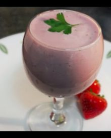 Strawberry Cheesecake Smoothie healthy protein shake recipe