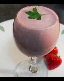 Strawberry Cheesecake Smoothie healthy protein shake recipe